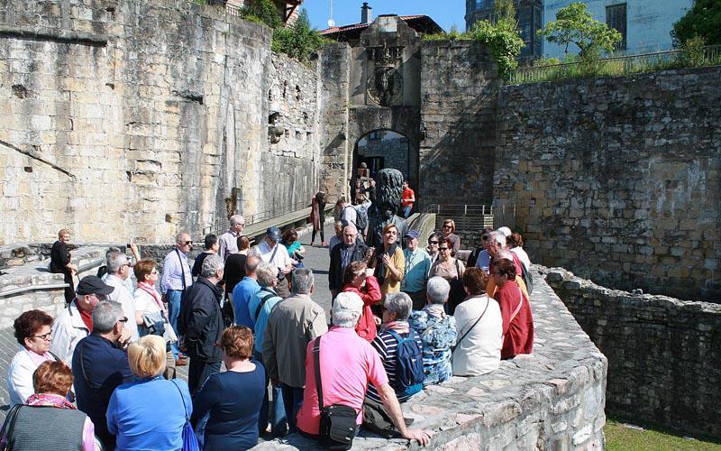 Aste Santua 2016 turismoa