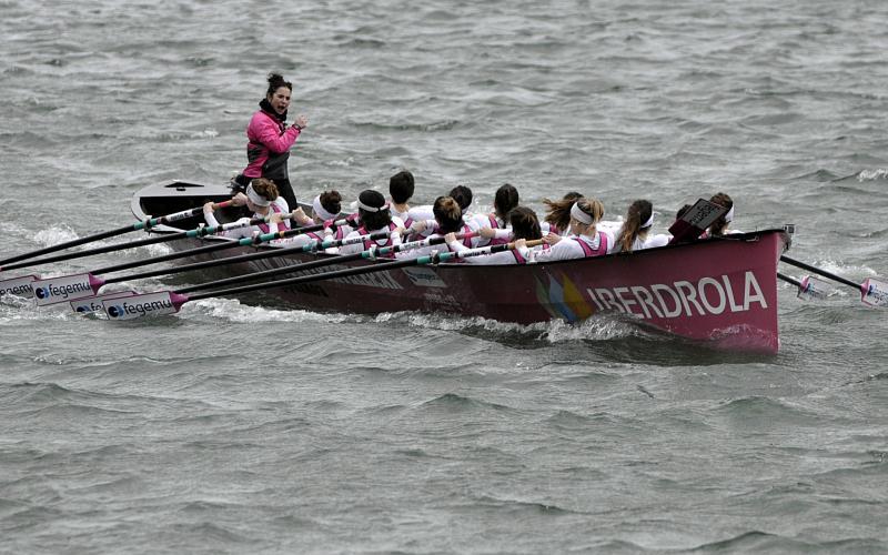 San Juango emakumeek erraz, oso erraz irabazi dute gaur Txingudiko badian.
