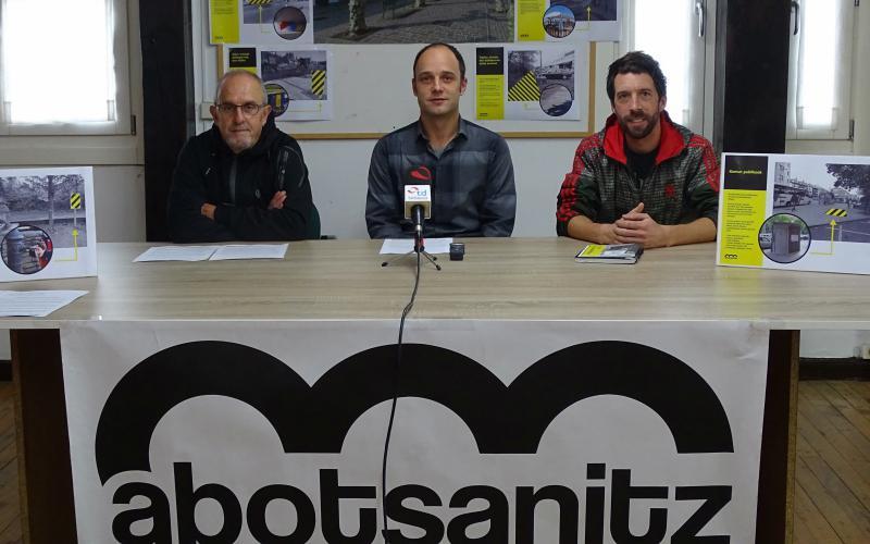Abotsanitz mendeku politikoa