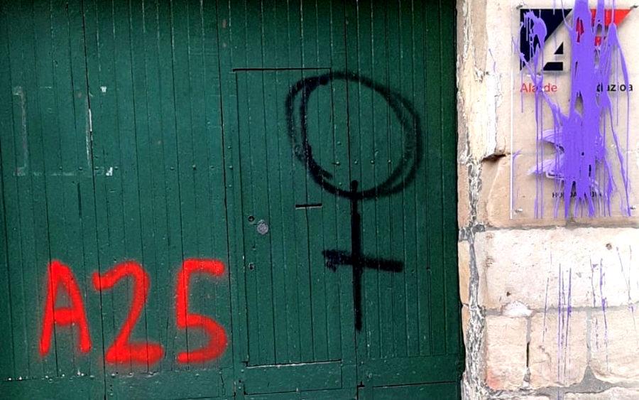 Azaroak 25, pintaketak Alarde Fundazioaren egoitzan