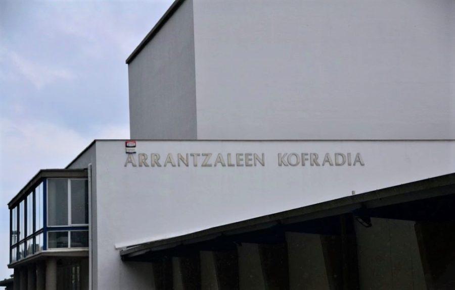 PCR testak egingo dizkie Eusko Jaurlaritzak arrantzalei guztiei.