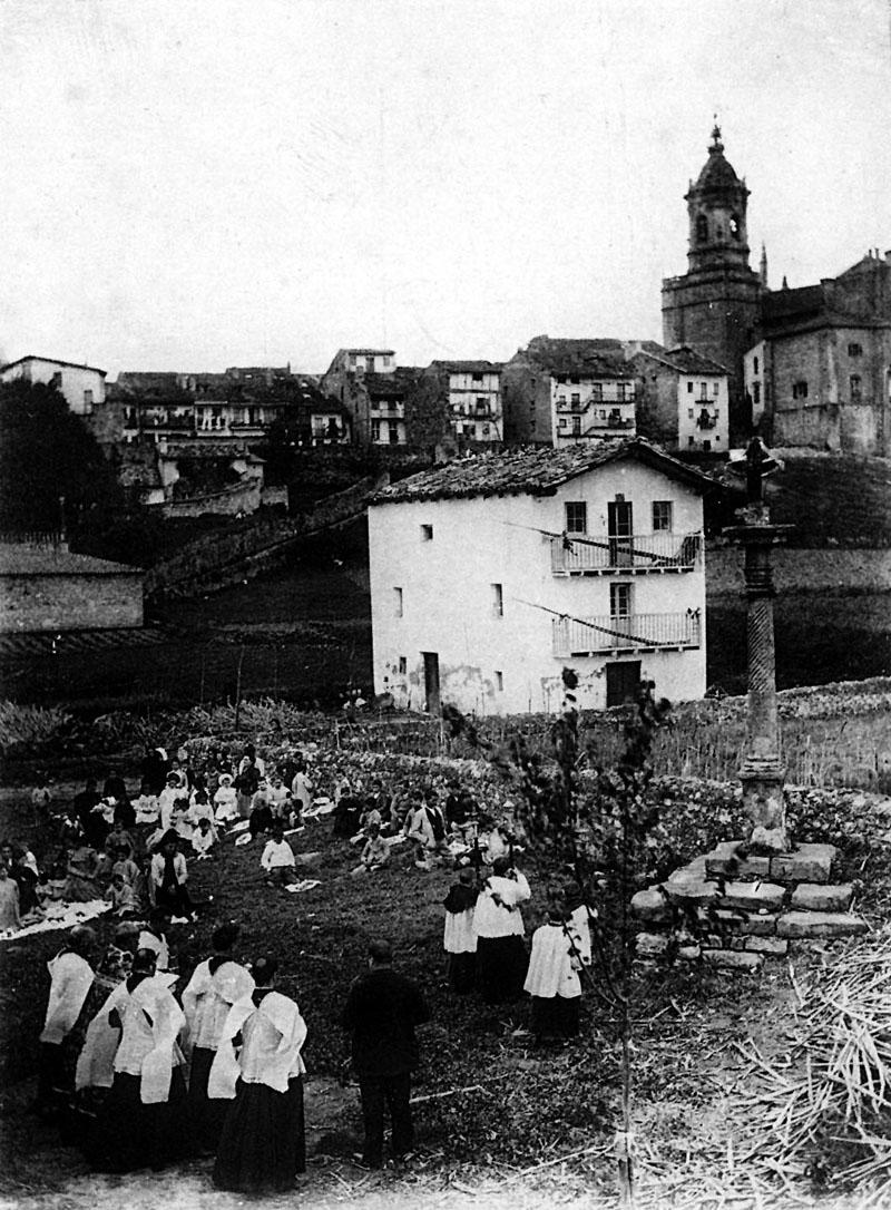 San Marko egunean bedeinkatzen zituzten soroak. Irudia 1900. urtea baino lehen atera zutela uste dute adituek.