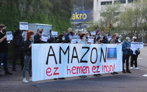 Amazonen aurkako protesta Lanbarren industriagunean.