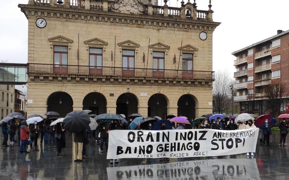 Se solidarizan con Galder Barbado y Aitor Zelaia [Foto: @sortuirun].