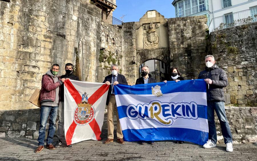 Bandera trukaketa egin dute Realak eta udalak.