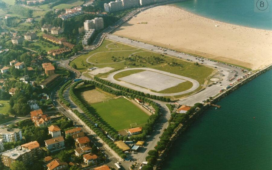 Hondartza futbol zelaia 1970eko hamarkadan.